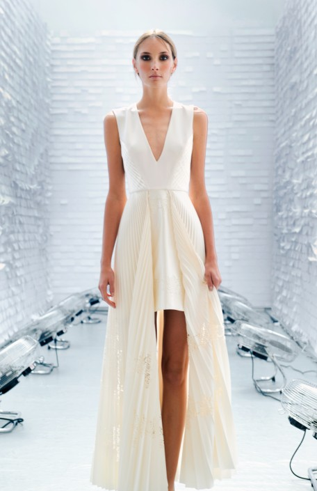 GEORGIA HARDINGE SS16 - LONG WHITE DRESS WITH PLEATS