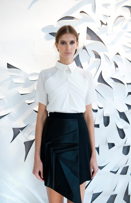 GEORGIA HARDINGE SS16 - WHITE SHIRT AND BLACK SKIRT